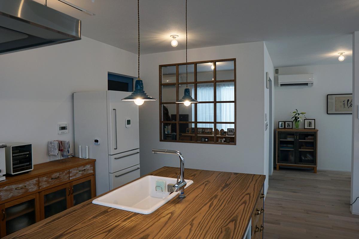 オリジナルキッチンの映える家
